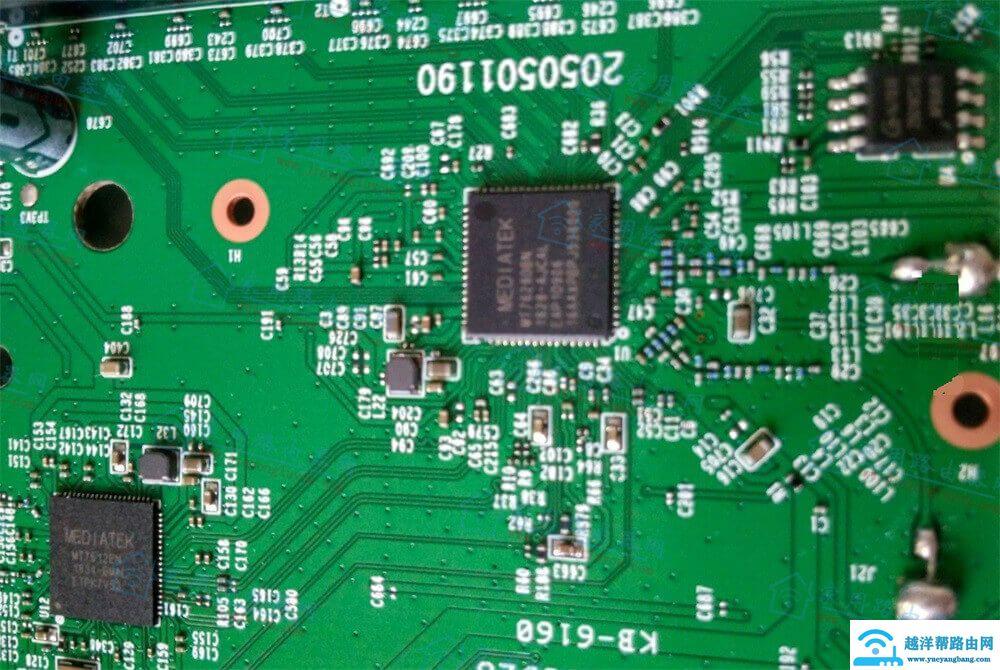 迅捷(FAST)FAC1200R路由器拆机图解[最新版]